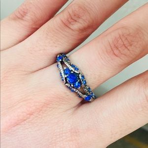 Gorgeous Blue sapphire With filigree detail Size 8